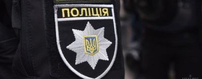 В селі на Буковині чоловік накинувся з кулаками на поліцейського