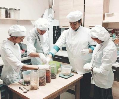 У Чернівцях відкриють виробництво корисної їжі, де працюватиме молодь з інвалідністю