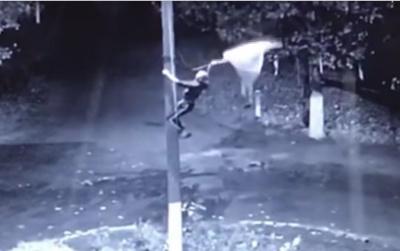В Одесской области молодому грозит заключение за то, что вытер ноги о флаг Украины