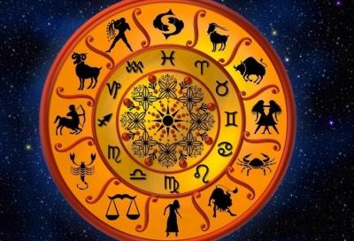 Астролог назвав два знаки Зодіаку, які розбагатіють вже на цих вихідних