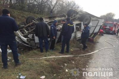 Кількість постраждалих внаслідок перекидання рейсового автобуса під Кам'янцем-Подільським збільшилася