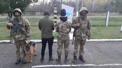 Стрілянина на кордоні: на Буковині затримали двох порушників