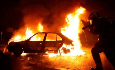 На Буковині уночі згорів легковик, на місці пожежі виявили фрагменти тіла людини
