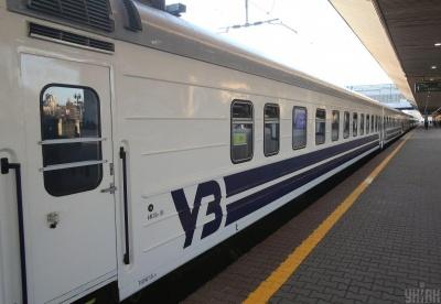 Поїзди до Києва затримуються в дорозі на кілька годин через крадіжку кабелів на залізниці