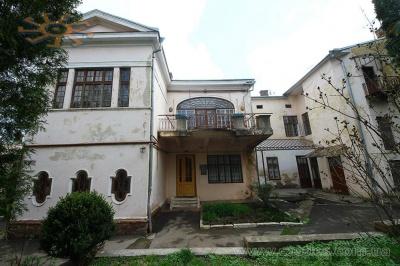 Невідома Буковина: дім з кришталевими вікнами