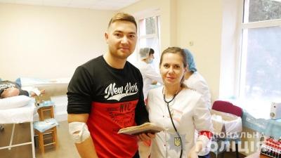 Чернівецькі поліцейські долучились до всеукраїнської акції донорства