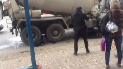 Смертельна ДТП: пішохід загинув під колесами бетоновоза в Чернівцях