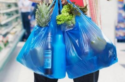 Чернівці вирішили відмовитись від пластикових пакетів у торгівлі