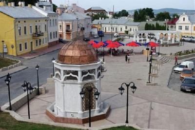Каплиця посеред площі: з'явилась петиція про скасування скандального рішення Чернівецької міськради
