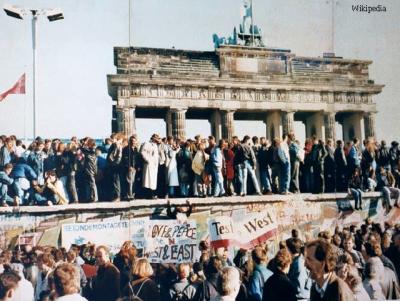 Сьогодні – 30 років з дня повалення Берлінської стіни