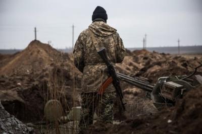 Доба на Донбасі: четверо українських військових поранені внаслідок мінометних обстрілів