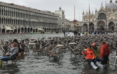 Венеція потерпає від повені. Вода на вулицях досягла 1,27 м