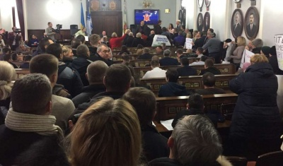 Виконком Чернівців визначив, що потрібно зробити активістам, щоб провести зустріч у кабінеті мерії