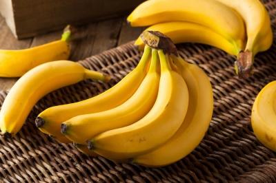 Чи потрібно після очищення бананів мити руки?
