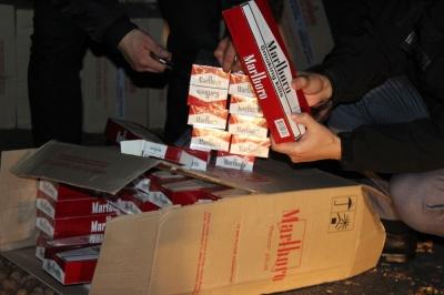 На Буковині податківці виявили масштабну «схованку» цигарок на майже 3 млн грн