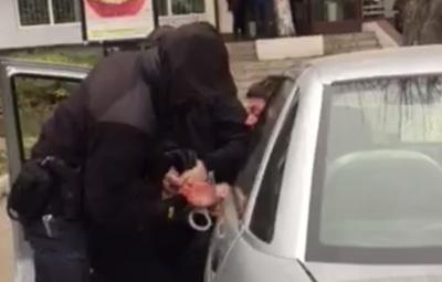 Виїхав на зустрічну смугу й намагався втекти: у Чернівцях затримали п'яного водія – відео