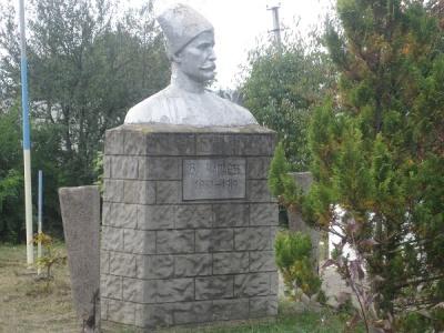 Вночі на Буковині невідомі вкрали пам`ятник Чапаєву