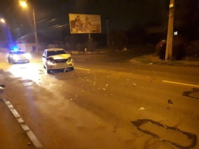 В Черновцах пьяный водитель спровоцировал ДТП - фото