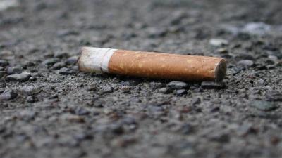 У Брюсселі збільшують до 200 євро штрафи за кинуті на землю недопалки