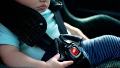 Відзавтра українців почнуть штрафувати за перевезення дітей без автокрісла