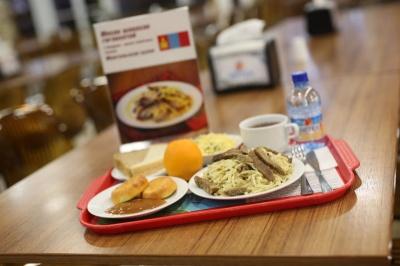 «Нове шкільне харчування»: у новому році наймолодші учні снідатимуть безкоштовно