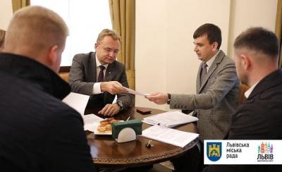 Меру Львова вручили підозру щодо зловживання службовим становищем