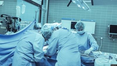 Вперше в Україні в районній лікарні провели пересадку органів: чоловік поділився ниркою з дружиною