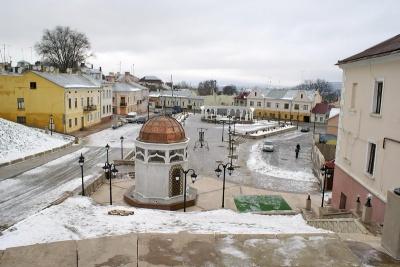 Депутатам пропонують заборонити будь-яке будівництво на площі Пресвятої Марії
