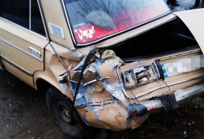 ДТП поблизу Чернівців: зіткнулися три авто - фото