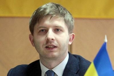 ЗМІ: Ексголову НКРЕКП оголосили у міжнародний розшук