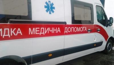 Невідомий підпалив будинок на Буковині: чоловіка і жінку госпіталізували з опіками