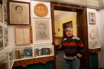 Море у пляшці та портрет із літер: 75 років тому в Чернівцях відкрили музей Ольги Кобилянської