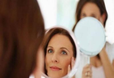 Жінкам корисно якомога рідше дивитися у дзеркало