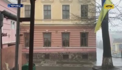 Мав борги за комуналку: стали відомі деталі самогубства шкільного двірника у Чернівцях