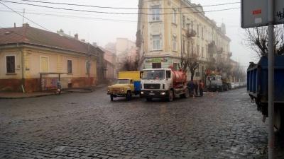 Кілька вулиць у центрі Чернівців до вечора будуть без води