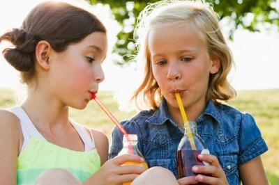 Як дитячий організм реагує на стакан газованої води