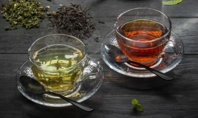Лікарка пояснила, кому потрібно відмовитися від чаю або пити його менше