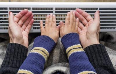 Постійно холодні руки і ноги: чим це небезпечно і як дати собі раду