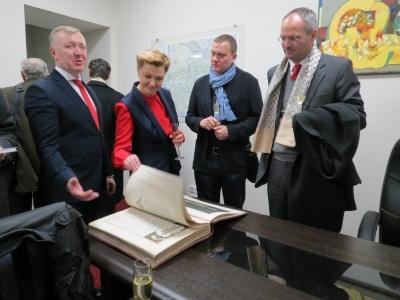 Осачук ухилився від відповіді на запитання про призначення Оксани Продан заступником голови ОДА
