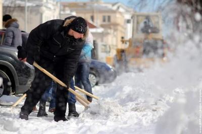 Обшанський закликав керівників ЖРЕПів вчасно прибирати сніг