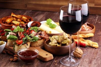 Німецькі експерти назвали щоденну безпечну дозу алкоголю для чоловіків і жінок