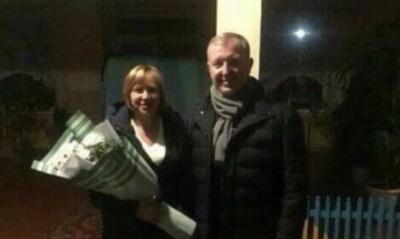Осачук подарував квіти противниці об'єднання Ломачинців і Новодністровська