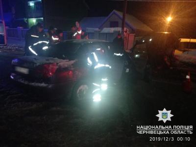 Смертельна ДТП на Буковині: водій помер у лікарні після лобового зіткнення