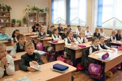 Уряд хоче прив'язати зарплати вчителів до кількості учнів