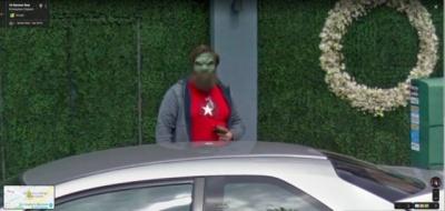 Жінка скористалася Google Maps, але знайшла не вулицю, а зеленого чоловічка - фото
