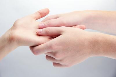 Що руки можуть розповісти про здоров'я: 7 важливих ознак