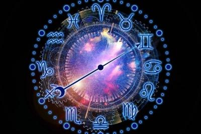 Астролог назвав знаки Зодіаку, які знайдуть любов у грудні