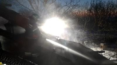 Тріщини у пічках і залишені обігрівачі: рятувальники розповіли, через що взимку горять на Буковині хати