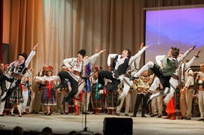 Буковинський ансамбль пісні і танцю відсвяткував 75-річчя