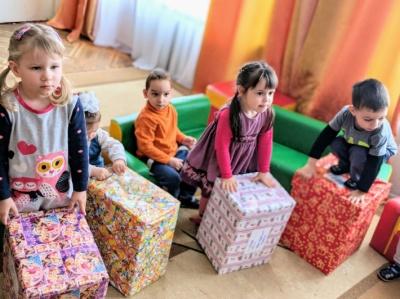 Студенти ЧНУ збирають подарунки для малозабезпечених дітей до Дня Святого Миколая